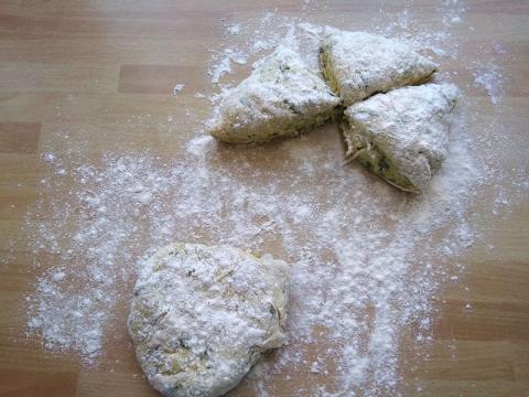 Chlebové placky s cuketou - recept postup 5