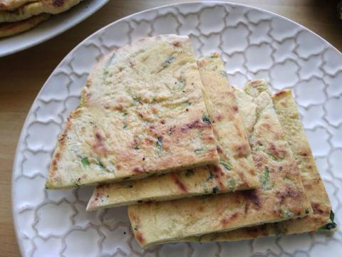 Chlebové placky s cuketou - recept postup 8