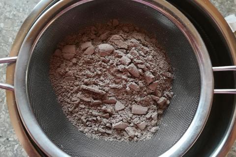 Overený recept na čokoládové makrónky - recept postup 5