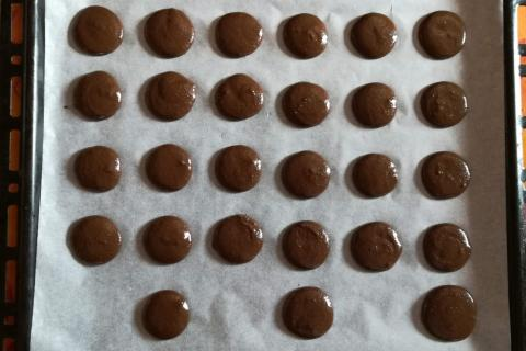 Overený recept na čokoládové makrónky - recept postup 12