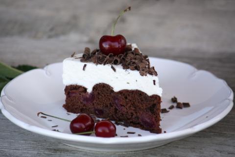 Čokoládovo - čerešňová tortička s tvarohom - recept postup 11