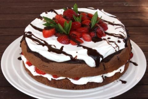 Čokoládovo jahodová torta - recept postup 10