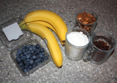 Čučoriedková torta bez múky, cukru a pečenia - recept postup 1