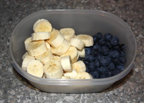 Čučoriedková torta bez múky, cukru a pečenia - recept postup 2
