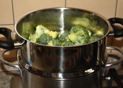 Brokolica jednoducho a chutne - recept postup 2