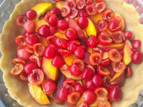 Okrúhly čerešňový koláč s kyslou smotanou - recept postup 1