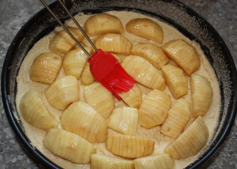Jemný jablkový koláč - recept postup 4