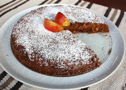 Jablkovo orechový koláč - recept postup 8