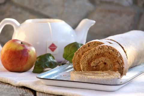 Rýchla prevrátená jablková roláda - recept postup 7