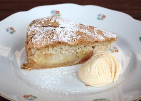 Jablkový koláč zo štyroch ingrediencií - recept postup 10