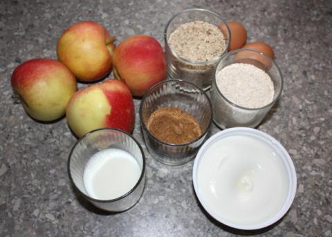 Sypaný jablkový koláč s tvarohom - recept postup 1