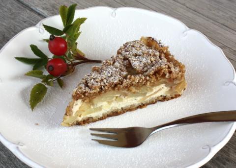 Sypaný jablkový koláč s tvarohom - recept postup 10