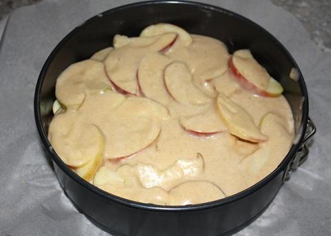 Jablkový koláč s orechami - recept postup 5