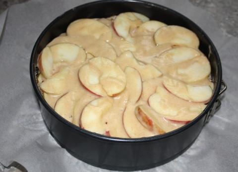 Jablkový koláč s orechami - recept postup 8