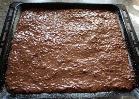 Jablkový  koláč s kakaom - recept postup 5