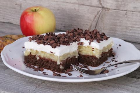 Fantastický jablkový koláč so smotanovou náplňou - recept postup 4