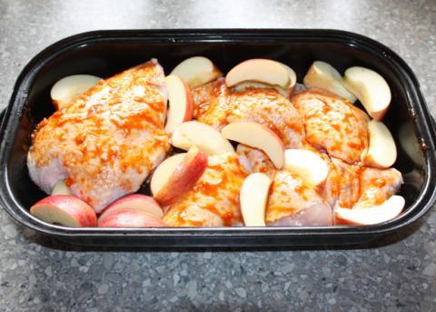 Pečené kurča s jablkami - recept postup 1