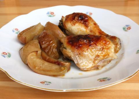 Pečené kurča s jablkami - recept postup 3