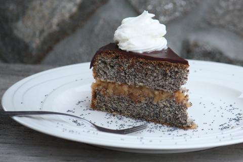 Maková torta s jablkovou náplňou - recept postup 8