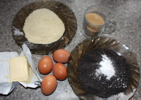 Makovo - orechový koláč s ríbezľami - recept postup 1
