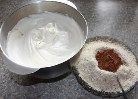 Orechový koláč bez múky - recept postup 1