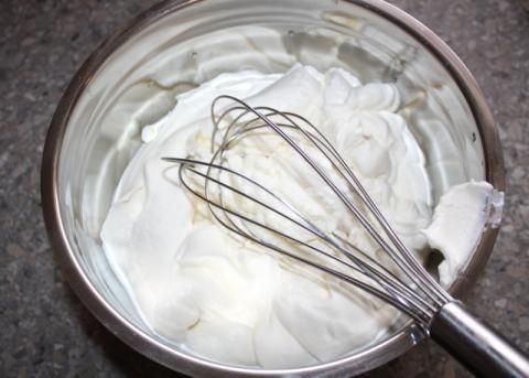 Smotanový pohár so sušienkami - recept postup 3