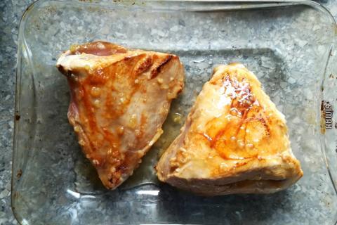 Pečené morčacie prsia s medom, cesnakom a horčicou - recept postup 2