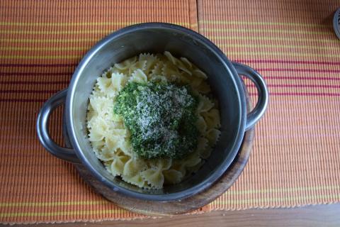pesto z medvedieho cesnaku - recept postup 1