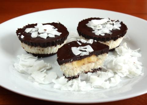 Raw  čokoládovo kokosové košíčky - recept postup 7