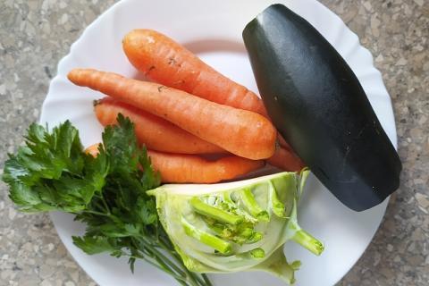 Zeleninová polievka s cukinou - recept postup 1