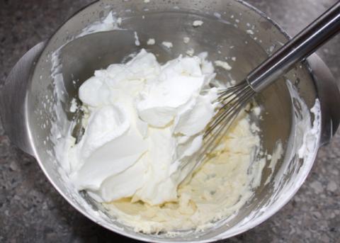 Smotanovo - jahodová torta s čokoládou - recept postup 7