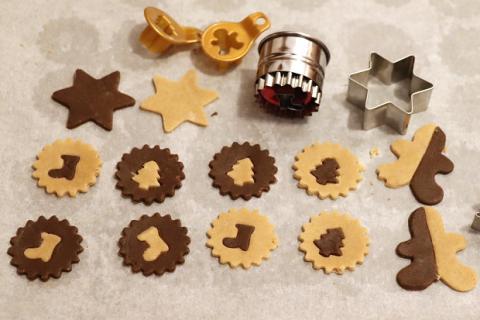 Vianočné dvojfarebné sušienky - recept postup 1