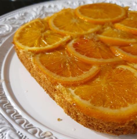 Pomarančovo kardamonový upside down s olivovým piškótom - recept postup 1