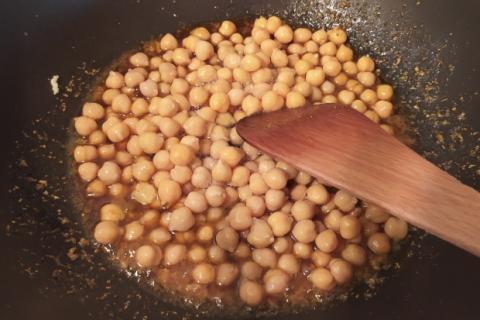 Karí s karfiolom a cícerom - recept postup 2