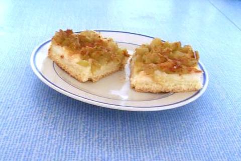 Rebarborový koláč s krupicovou kašou
