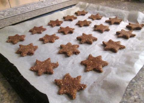 Škoricovo mandľové hviezdičky bez múky - recept postup 8