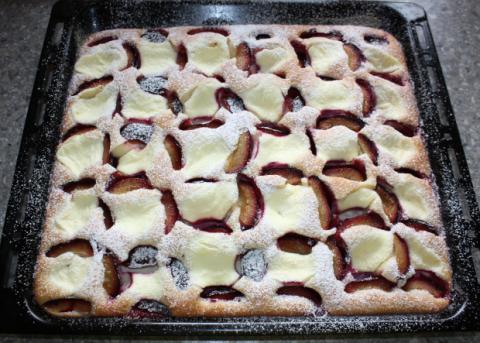 Slivkový koláč s tvarohom - recept postup 7