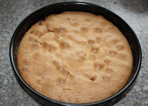 Prevrátený slivkový koláč - recept postup 5