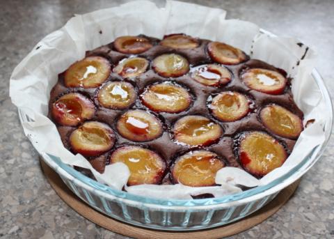Slivkový koláč opäť inak - recept postup 6
