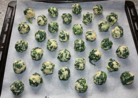 Špenátové guličky - recept postup 3