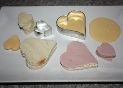 Valentínske sendviče - recept postup 1