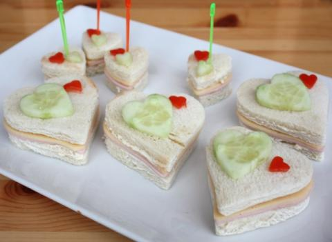 Valentínske sendviče - recept postup 2