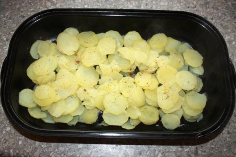 Zapekané zemiaky s mäsom - recept postup 2
