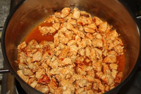 Zapekané zemiaky s mäsom - recept postup 3