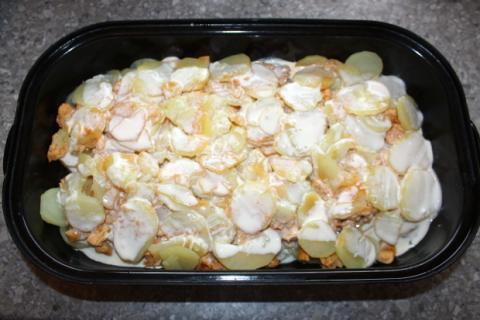 Zapekané zemiaky s mäsom - recept postup 6
