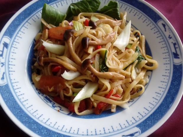Čínske rezance s pak choi a shimeji - recept