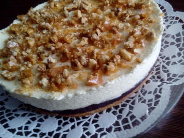 Smotanovo brusnicová torta s krokantom - recept