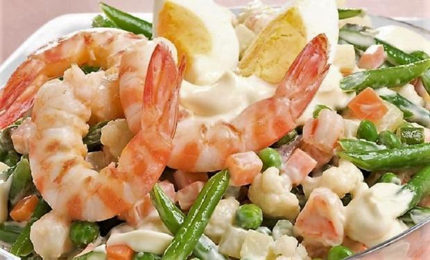 Jarný šalát s krevetami - recept