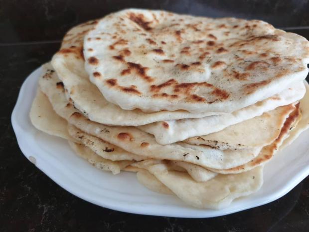 Cesnakový plochý chlebík - recept
