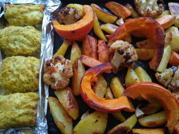 Rybie filé pod perinou pečené so zemiakmi a zeleninou - recept